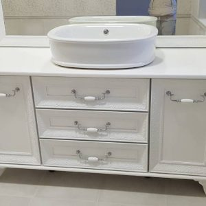 Ретро шкаф за баня с две мивки