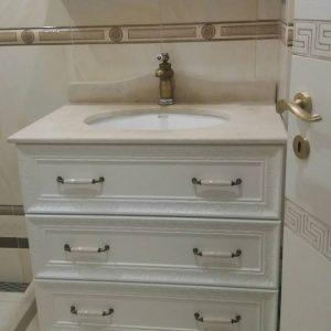 ретро шкаф за баня с мивка