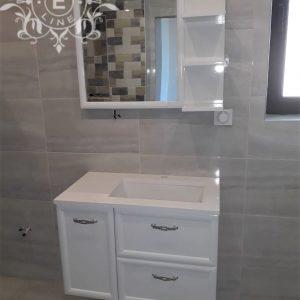 Шкаф за баня висящ с чекмеджета