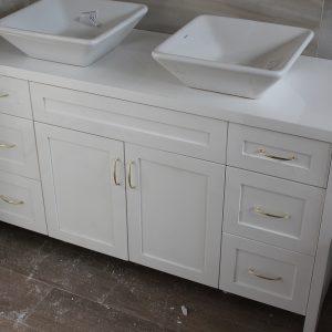 Шкаф за баня с две мивки от ПВЦ