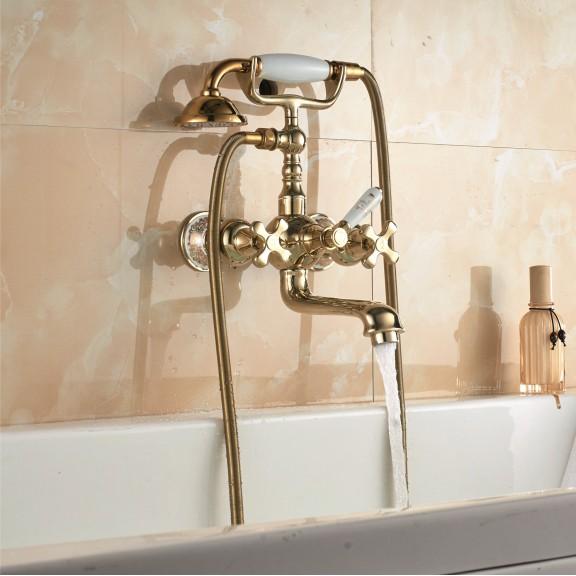 златен смесител за душ
