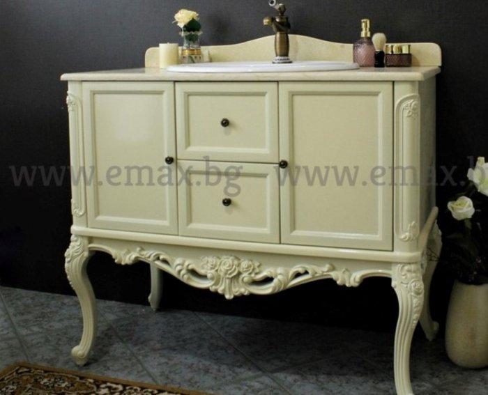 класически шкаф за баня