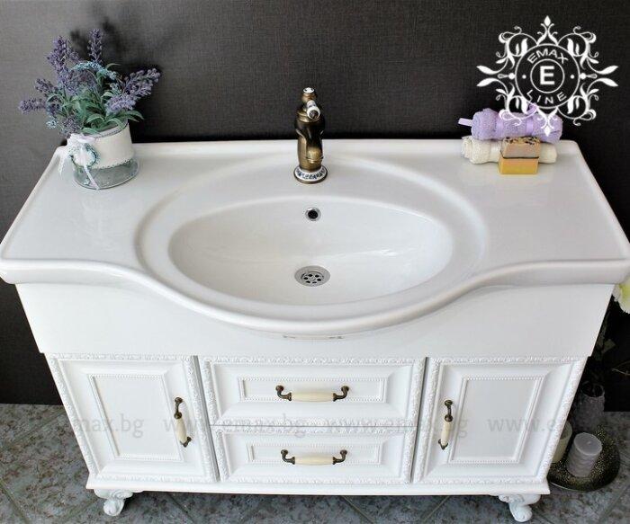 ретро шкаф за баня с голяма мивка