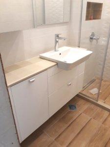 долен шкаф за баня пвц с огледало за баня