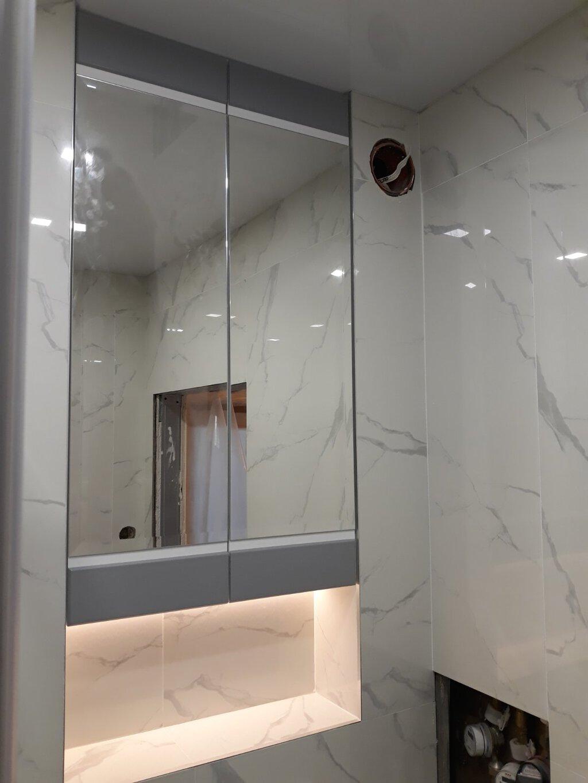 шкаф колона за баня от пвц
