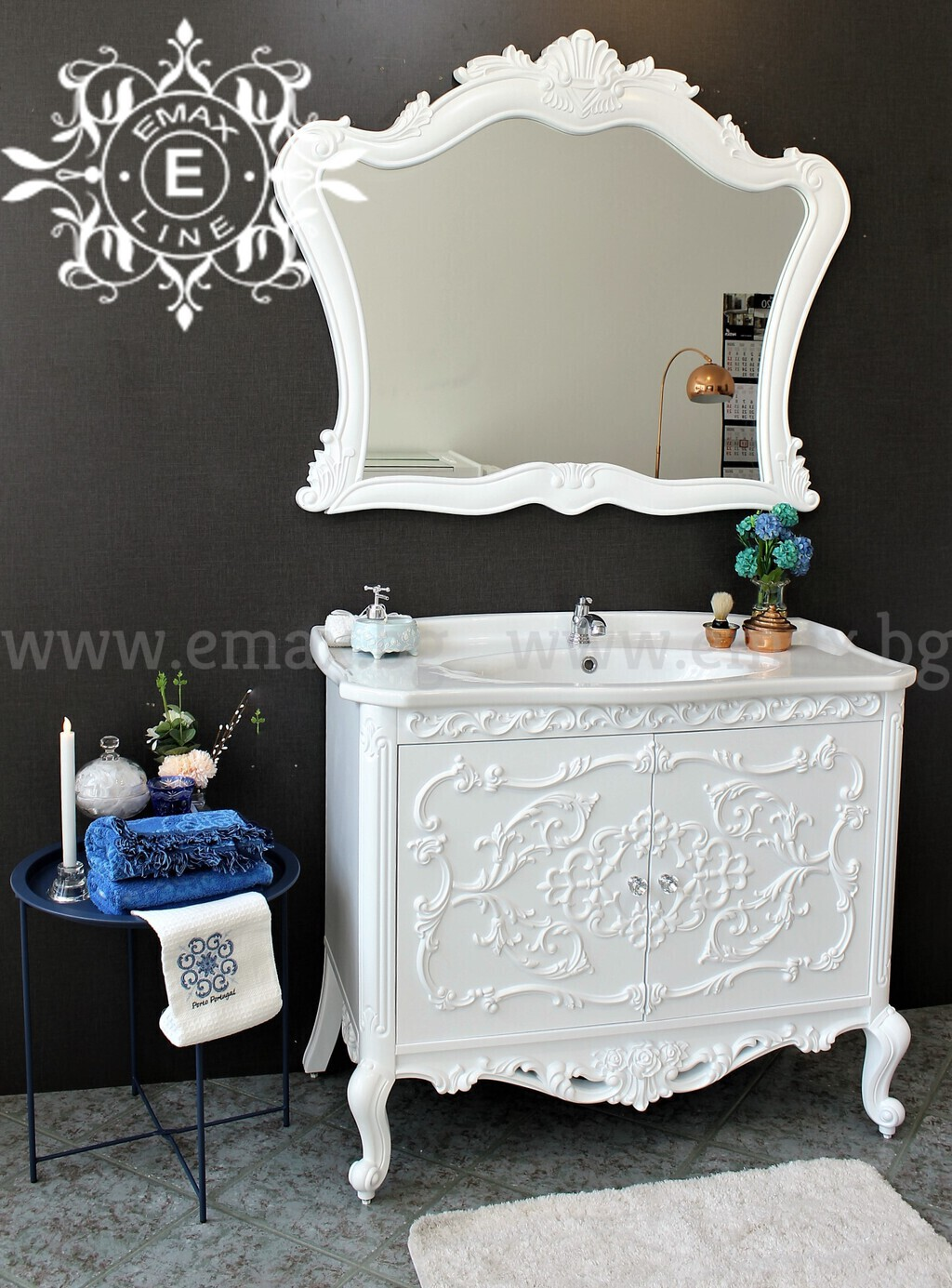 шкаф за баня с огледало