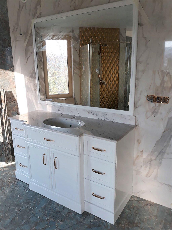 италиански шкафове за баня по поръчка