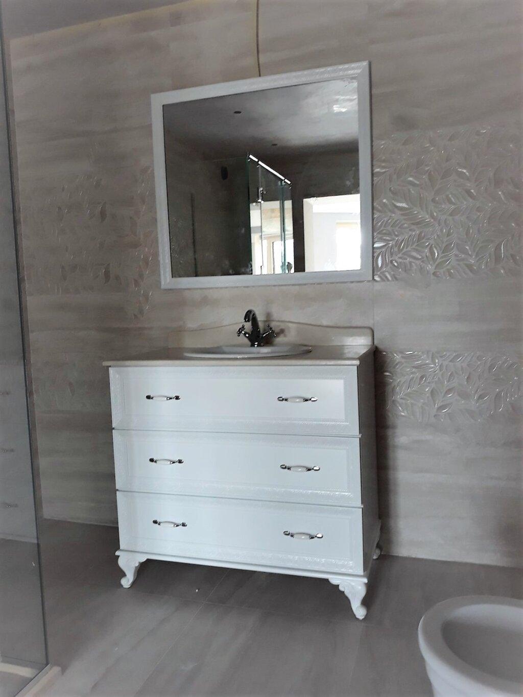 ретро шкаф за баня шумен