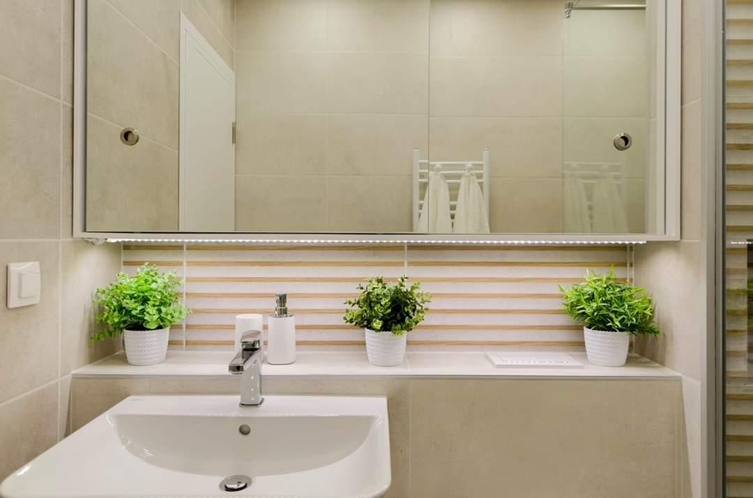 шкаф за баня с плъзгащи врати